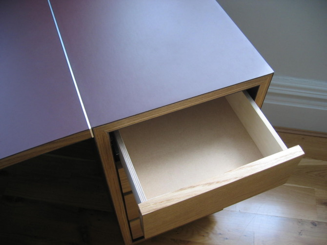 Computer desk with drawers - Stonermakes