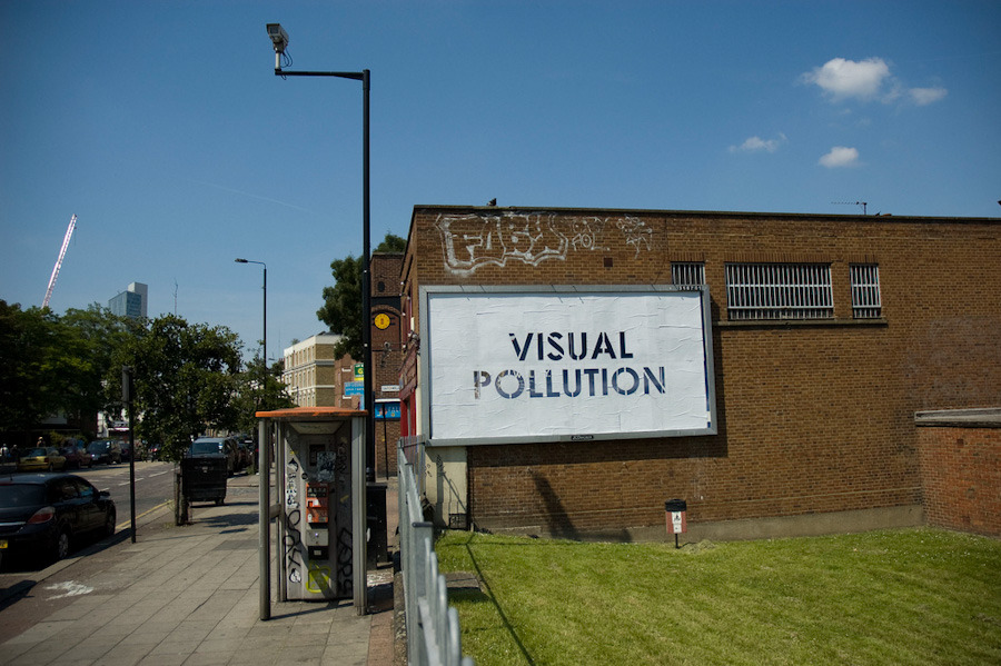 Mobstr_London_Visual-Pollution_July11_1000.jpg