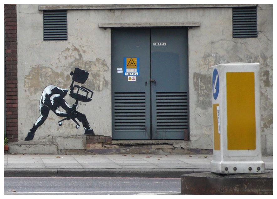 Banksy_The-Clash_London-Calling_Office-Chair_u_1000.jpg