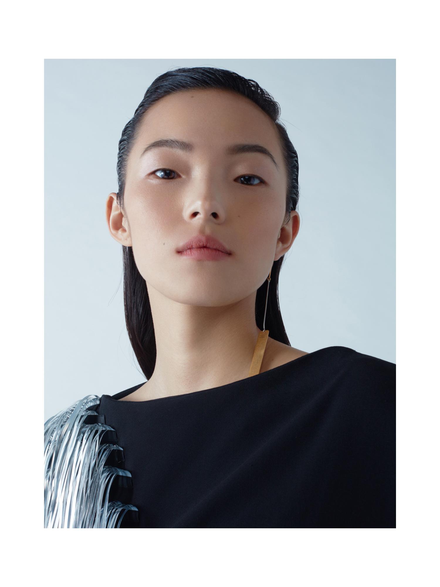 Xiao Wen Ju at Fendi Spring 2015 | Gisele, Cara, Kendall