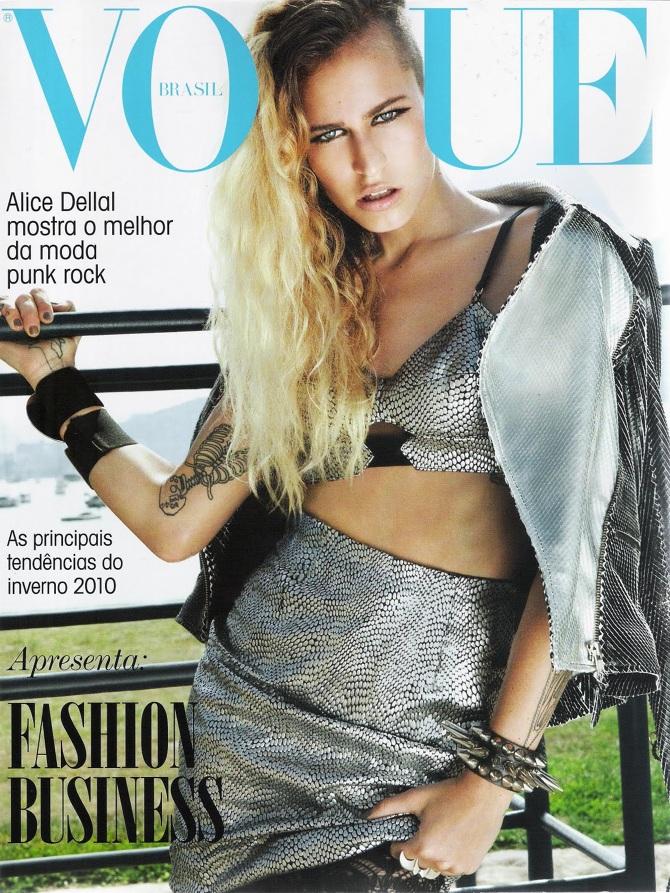 80bc9c1766 Vogue Brasil Especial Fashion Business Inverno 2010 - Casaco Carla Carlin