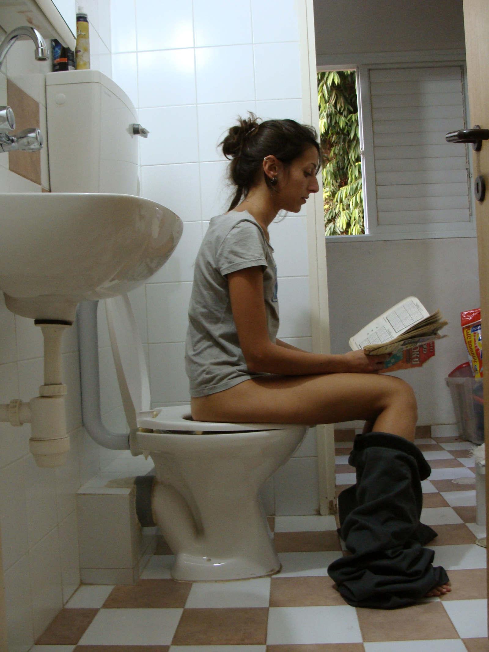 Toilet Stool Michal Levitzky Protfolio