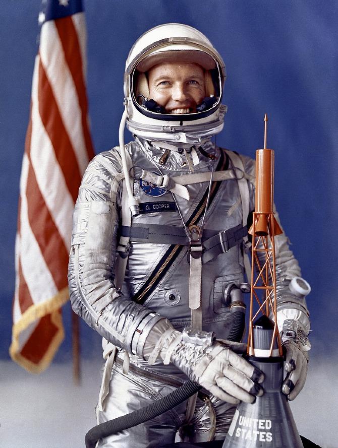original seven astronauts selected - photo #1
