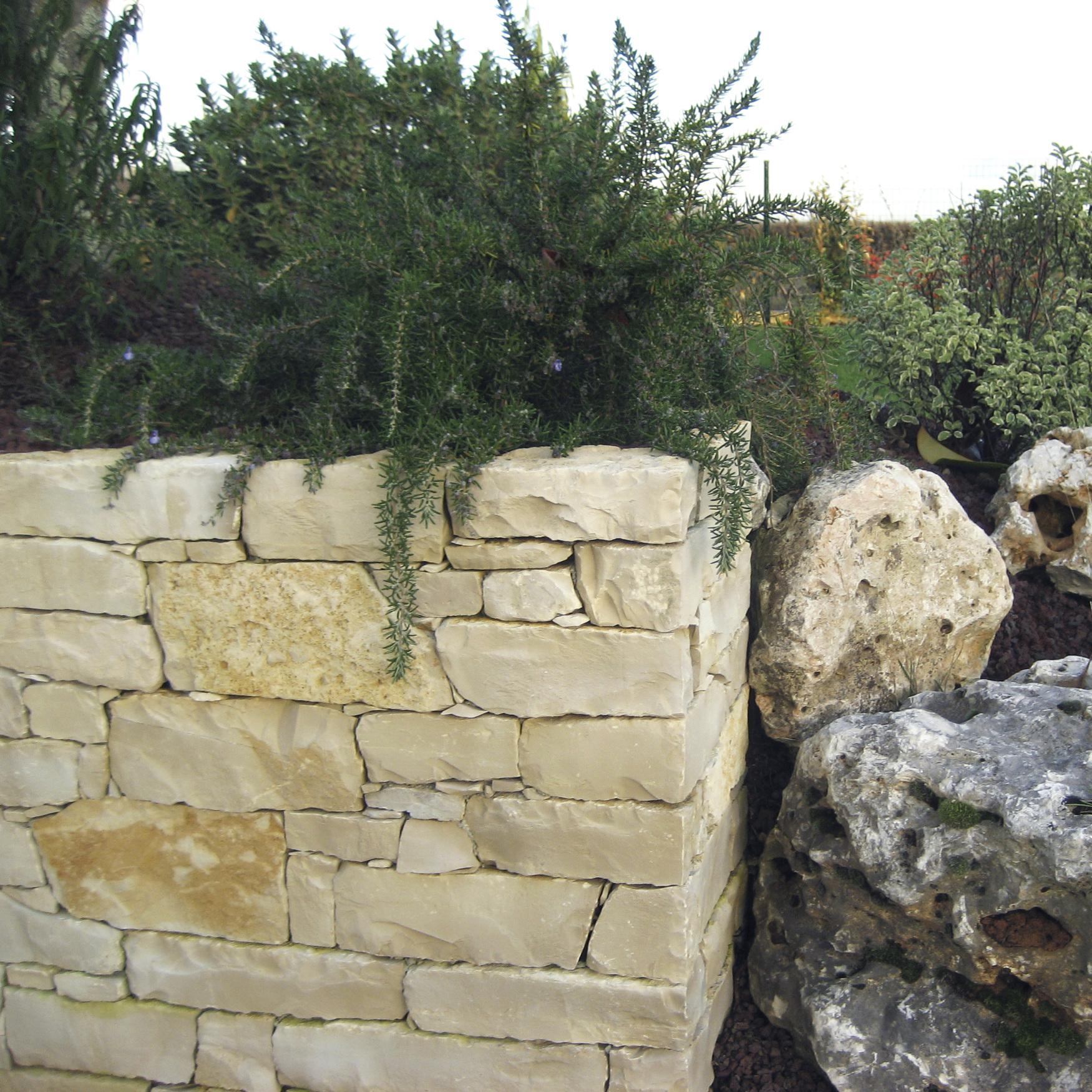 Pierre De L Yonne muret d'ornement - pierre-et-paysage