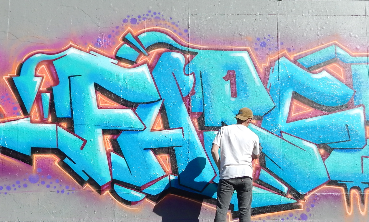 Eli Is A Graffiti Writer With Over 6 Years Of Experience In The Roots Of Authentic Graffiti Continuing To Develop As A Graffiti Writer He Took Graffiti
