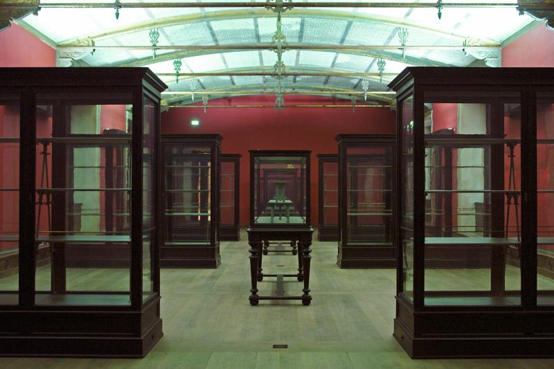 The Empty Museum - Christoph Balzar