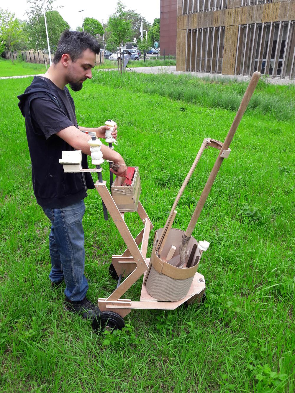Chariot à outil de jardin ergonomique - Raphaël Golja