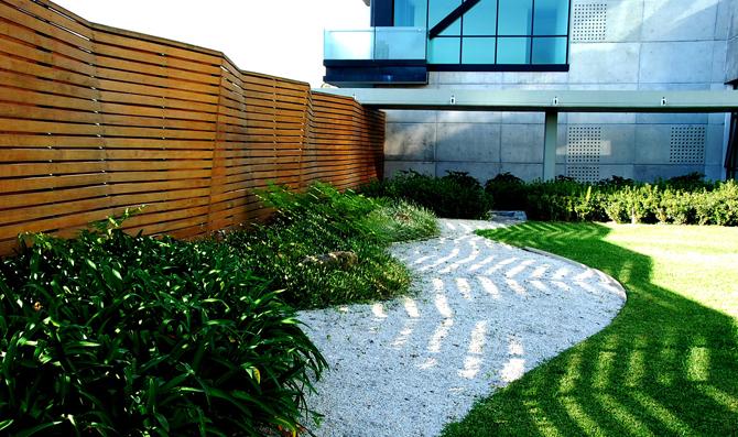 Piedra ana ashida jardines for Piedras redondas blancas para jardin