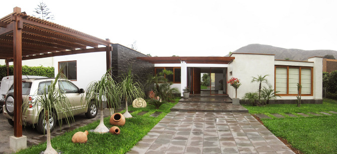Casa robles for Entradas de casas rusticas