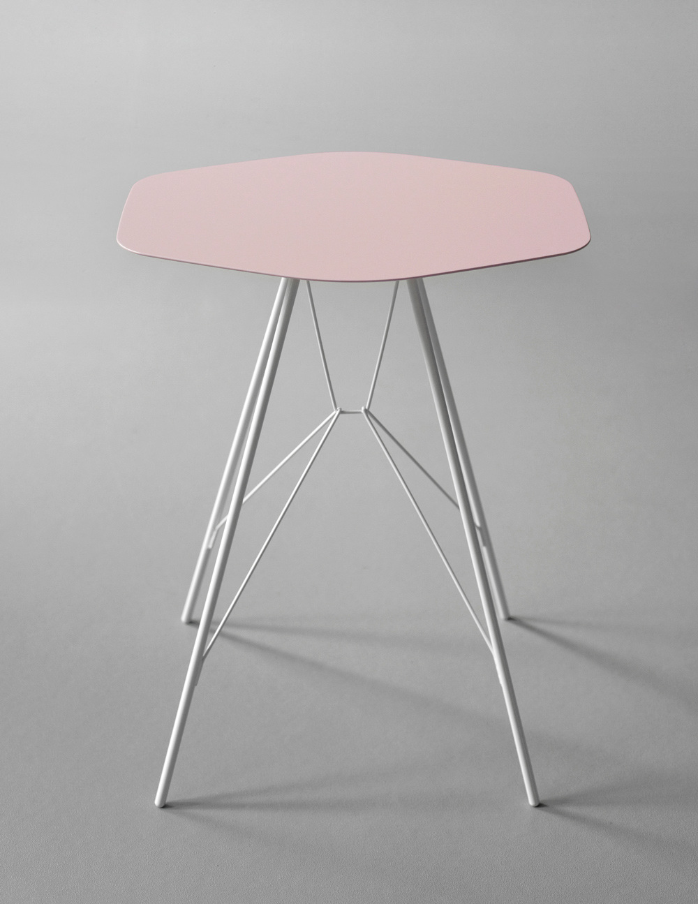 Emil side table frankrettenbacher greentooth Gallery