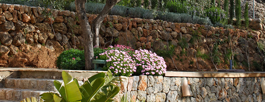 Mantenimiento de jardines paisajismo arteche jardiner a - Mantenimiento de un jardin ...