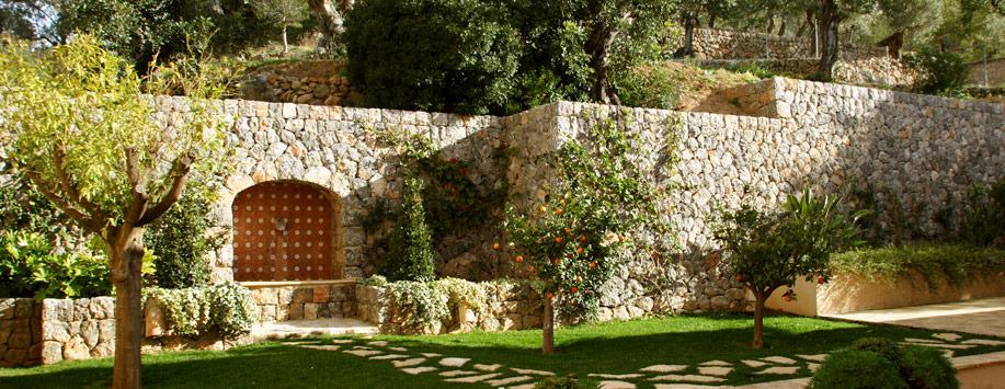 Dise o jardines paisajismo arteche jardiner a for Trabajo de mantenimiento de jardines