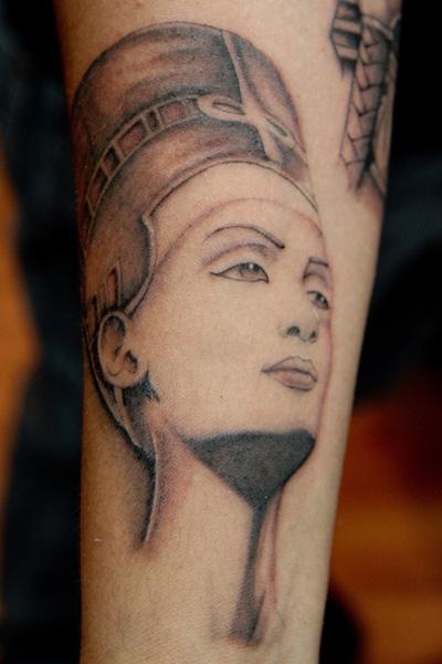 Mikey samuels tattoo artist pleasure pain ink for Painful pleasures tattoo