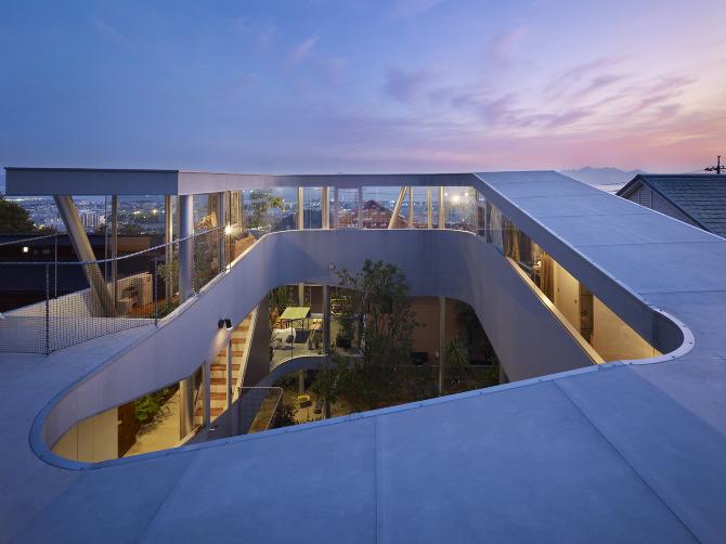 Toda House by Kimihiko Okada