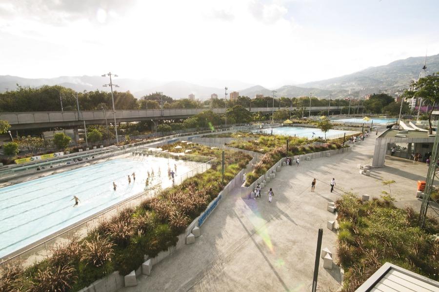 MEDELLIN / Aquatic centre △ ✪ - LCLA office