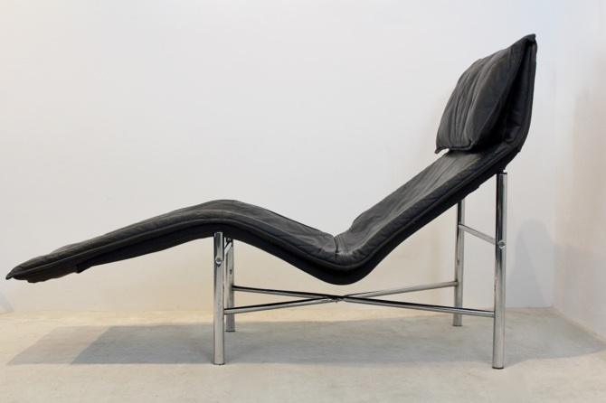 Amazing Black Leather Skye Chaise Longue By Tord Bjorklund Caraccident5 Cool Chair Designs And Ideas Caraccident5Info
